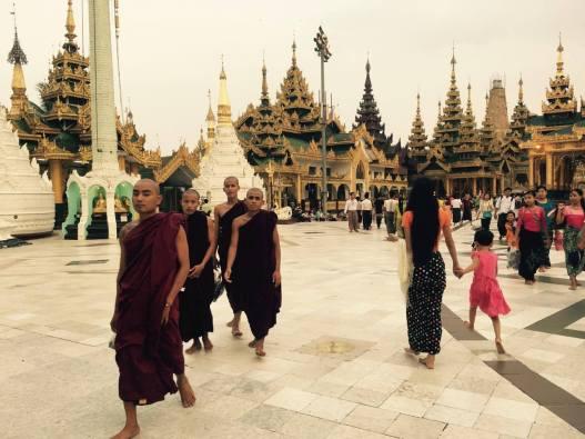 Swedagon Pagoda _ mehmehsasa.jpg