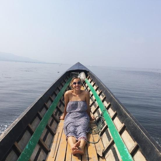boat lake Inle mehmehsasa.jpg