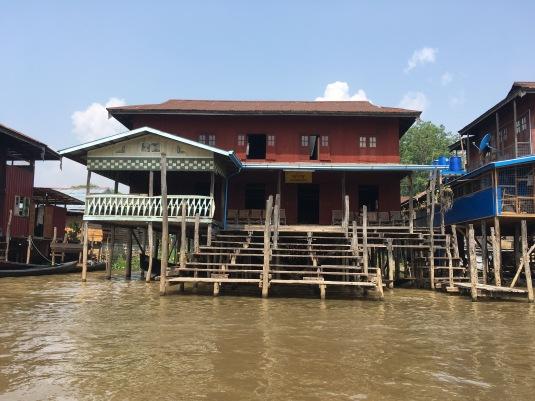 House Lake Inle _mehmehsasa
